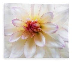 Dreamy Dahlia Fleece Blanket