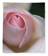 Dreamy Rose Fleece Blanket
