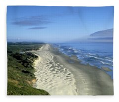 Dunes Of The Oregon Coastline Fleece Blanket