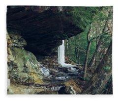 Eaglefalls Trail In Winter Fleece Blanket