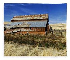 Eastern Washington Barn Fleece Blanket