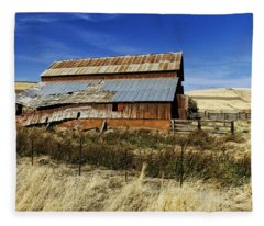 Eastern Washington Barn Fleece Blanket