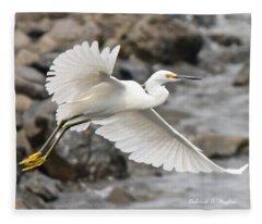 Egret Flight Fleece Blanket