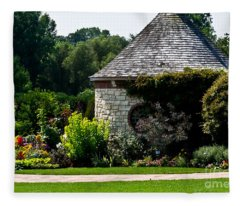 English Cottage Garden Fleece Blanket