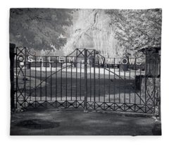 Entry To Salem Willows Fleece Blanket
