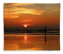 Family Reflections At Sunset - 4 Fleece Blanket