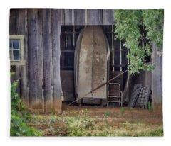 Countryside Barn Fleece Blanket