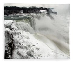 Frozen Niagara And Bridal Veil Falls Fleece Blanket