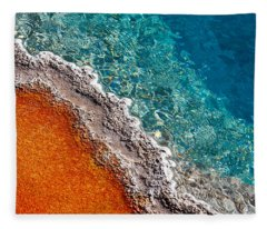 Geothermic Layers Fleece Blanket