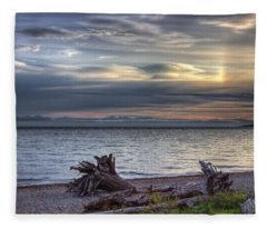 San Pareil Sunrise Fleece Blanket
