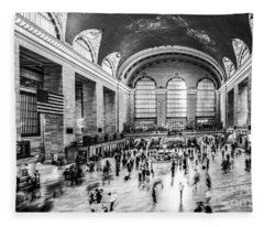 Grand Central Station -pano Bw Fleece Blanket