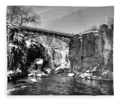 Great Falls In The Winter Fleece Blanket