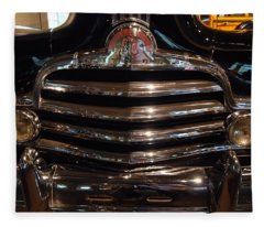 Grille 1947 Pontiac Fleece Blanket