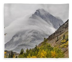 Grinnell Cloud Wrap Fleece Blanket