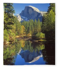 2m6709-half Dome Reflect - V Fleece Blanket