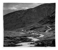 Hatcher's Pass In Black And White Fleece Blanket