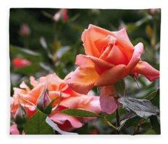 Heart Of Gold Roses Fleece Blanket