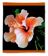 Hibiscus Spectacular Fleece Blanket