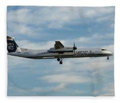 Horizon Airlines Q-400 Approach Fleece Blanket