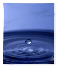 Hovering Blue Water Drop Fleece Blanket