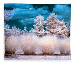 Infrared Bushes Fleece Blanket