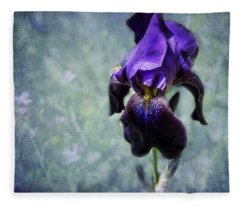Iris - Purple And Blue - Flowers Fleece Blanket