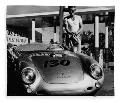 James Dean Filling His Spyder With Gas In Black And White Fleece Blanket