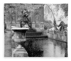 Jardin De Medicis Paris Fleece Blanket