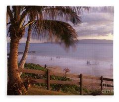 Kai Makani Hoohinuhinu O Kamaole - Kihei Maui Hawaii Fleece Blanket