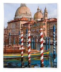 La Chiesa Della Salute Sul Canal Grande Fleece Blanket