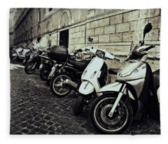 La Terra Di Moto Fleece Blanket