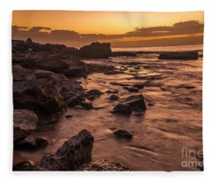 Lanai Rocky Beach Sunset Fleece Blanket