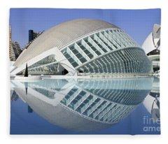 L'hemispheric Valencia Fleece Blanket