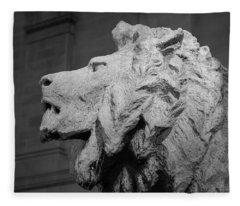 Lion Of The Art Institute Chicago B W Fleece Blanket