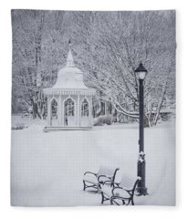 New England Winter Fleece Blankets