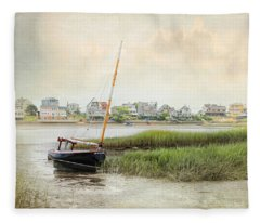 Low Tide On The Basin Fleece Blanket