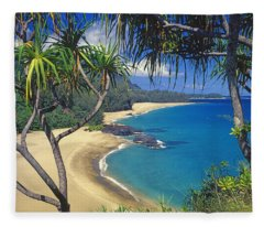 Lumahai Beach Fleece Blanket