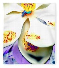Magnolia Bee Fleece Blanket