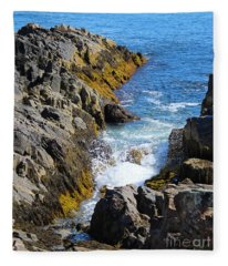 Marginal Way Crevice Fleece Blanket