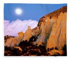 Moonrise Over The Kaiparowits Plateau Utah Fleece Blanket