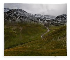Mountainscape With Snow Fleece Blanket