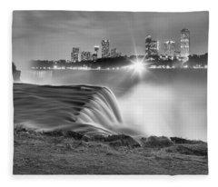 Niagara Falls Black And White Starbursts Fleece Blanket