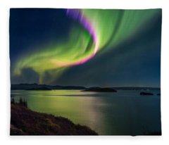 Northern Lights Over Thingvallavatn Or Fleece Blanket