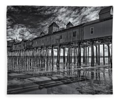 Old Orchard Beach Pier Bw Fleece Blanket