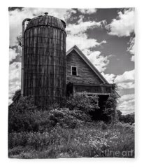 Old Vermont Barn And Silo Fleece Blanket