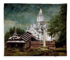Old Whitewashed Lemyethna Temple Fleece Blanket