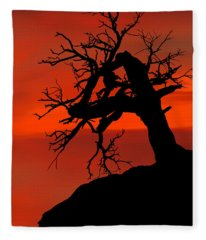 One Tree Hill Silhouette Fleece Blanket