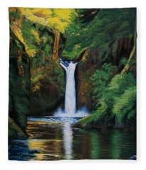 Oregon's Punchbowl Waterfalls Fleece Blanket