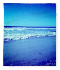 Pacific Rays Fleece Blanket