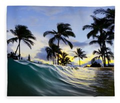 Palm Wave Fleece Blanket